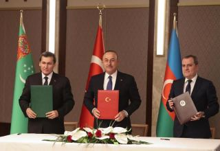 Turkish, Azerbaijani, and Turkmen FMs adopt joint statement following trilateral meeting (PHOTO)