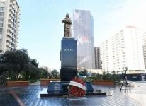 Azerbaijani president, first lady visit Khojaly genocide memorial (PHOTO) - Gallery Thumbnail
