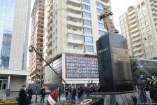 Общественность Азербайджана чтит память жертв Ходжалинского геноцида  (ФОТОРЕПОРТАЖ) - Gallery Thumbnail