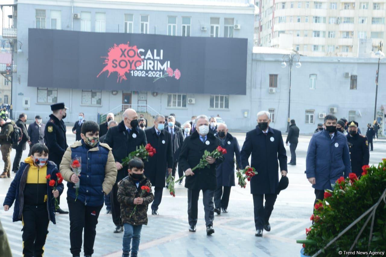 Общественность Азербайджана чтит память жертв Ходжалинского геноцида  (ФОТОРЕПОРТАЖ) - Gallery Image