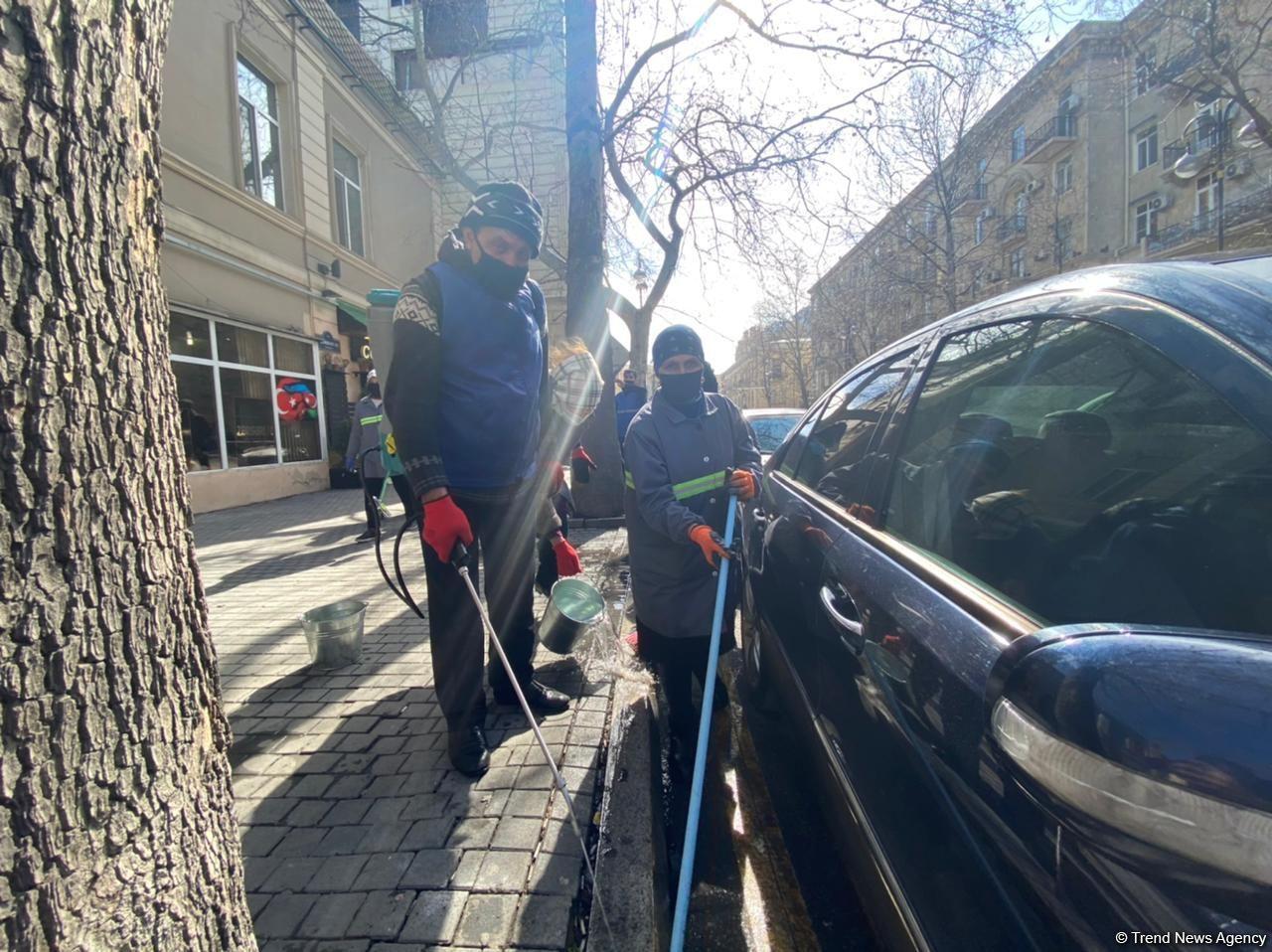 Bakı küçələri qardan sonra təmizlənir (FOTO) - Gallery Image
