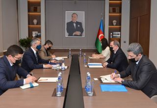 Azerbaijani FM, Uzbek ambassador exchange views on current situation in region (PHOTO)