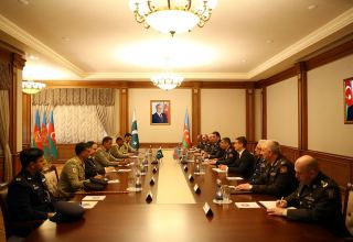 Azerbaijan, Pakistan discuss areas of military cooperation (VIDEO)