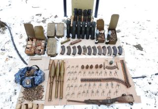Şuşada ermənilərin atıb qaçdığı silah-sursat aşkar edilib (FOTO)