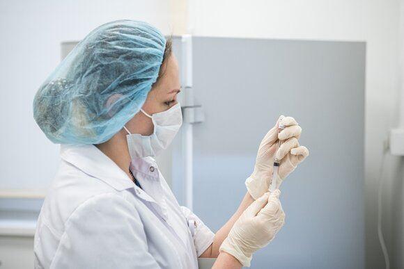 В США более 180 млн человек полностью вакцинированы от COVID-19