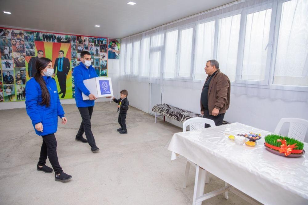 Фонд Гейдара Алиева направил подарки малообеспеченным семьям по случаю праздника Новруз (ФОТО) - Gallery Image
