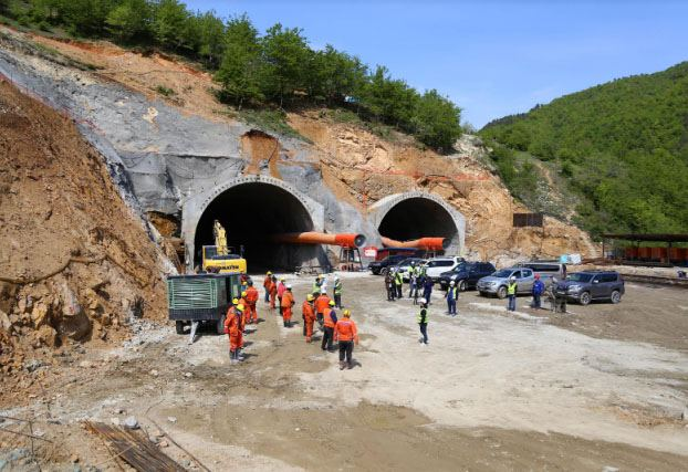 Georgia continues construction of bridges and tunnels at Rikoti Pass