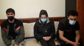 """Qadının çantasından heroin oğurlandı, oğrular və """"zərərçəkən"""" saxlanıldı (FOTO) - Gallery Thumbnail"""