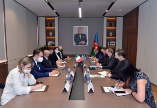 Azerbaijani FM receives delegation of Italian Senate (PHOTO)