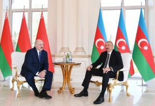 Azerbaijani, Belarus presidents hold one-on-one meeting (PHOTO)