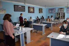 В Азербайджане проведены выпускные экзамены для 11-х классов (ФОТО) - Gallery Thumbnail