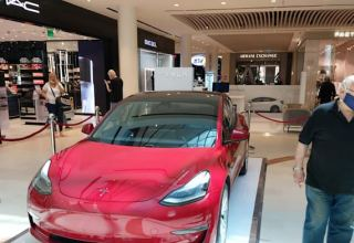 Tesla opens Tel Aviv pop-up store