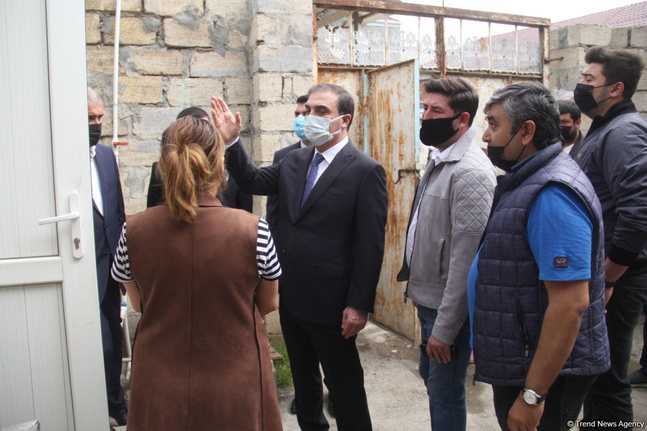 В Гяндже началось восстановление домов, поврежденных в результате армянских обстрелов (ФОТО) - Gallery Image