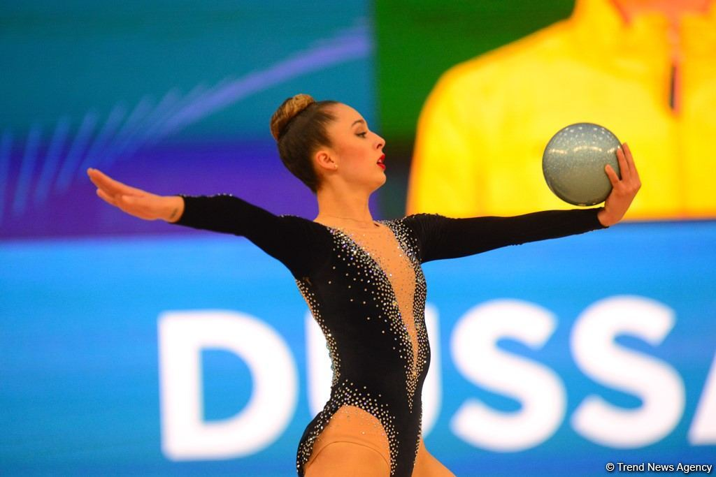 Лучшие моменты первого дня Кубка мира по художественной гимнастике в Баку (ФОТО) - Gallery Image