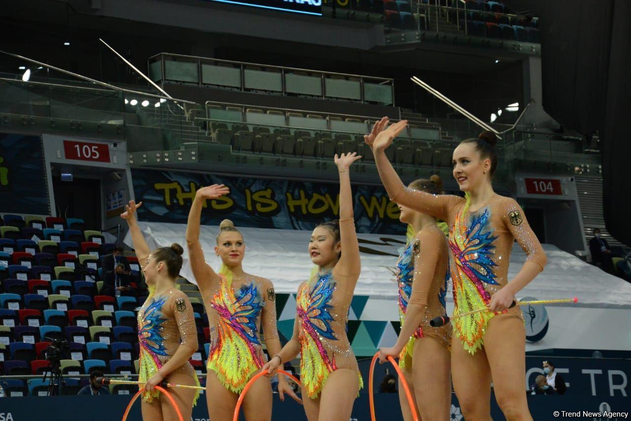 В Национальной арене гимнастики в Баку проходят соревнования групповых команд в рамках Кубка мира (ФОТО) - Gallery Image