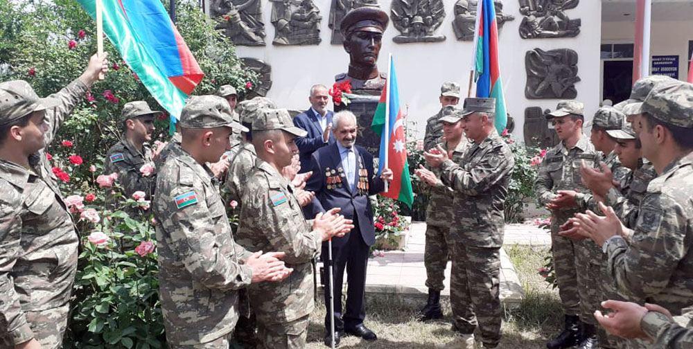 В Азербайджанской Армии проведены мероприятия по случаю 76-й годовщины Победы (ФОТО) - Gallery Image