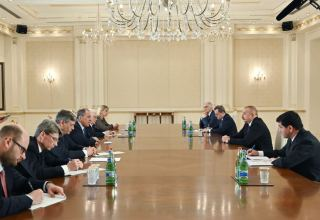 President Ilham Aliyev receives delegation led by Russian foreign minister (PHOTO)