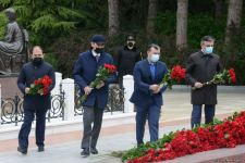 Public reps of Azerbaijan paying tribute to late National Leader Heydar Aliyev (PHOTO) - Gallery Thumbnail