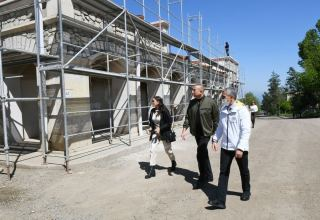 President Ilham Aliyev views work done at Shusha Art Gallery (PHOTO)