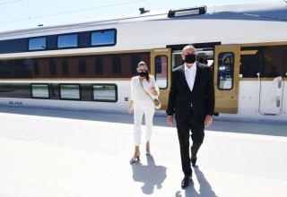 Президент Ильхам Алиев и Первая леди Мехрибан Алиева приняли участие в открытии железнодорожного вокзала в Габале и однолинейной железной дороги ст. Ляки-Габала (ФОТО) (версия 2)