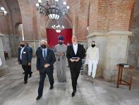 Президент Ильхам Алиев и Первая леди Мехрибан Алиева посетили Албанскую церковь Святой Девы Марии (ФОТО) - Gallery Thumbnail