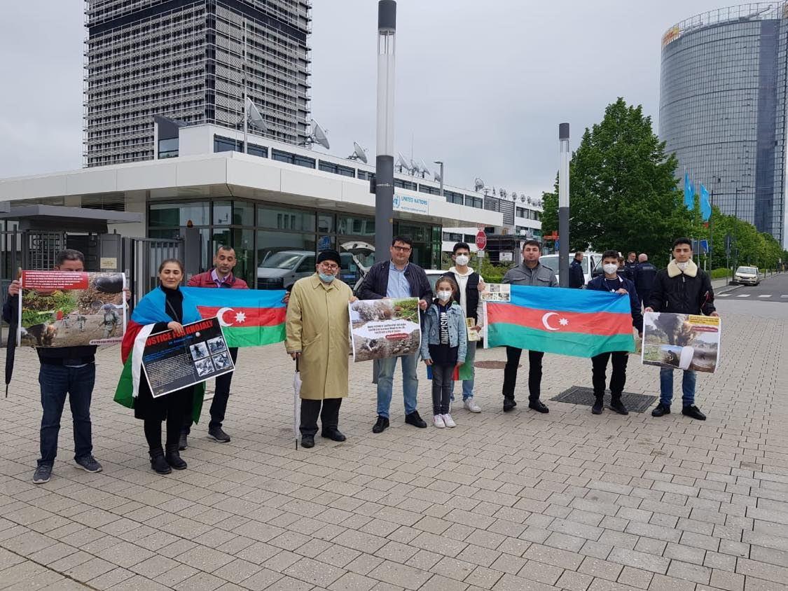 Азербайджанцы в Германии провели акцию протеста перед штаб-квартирой ООН (ФОТО)
