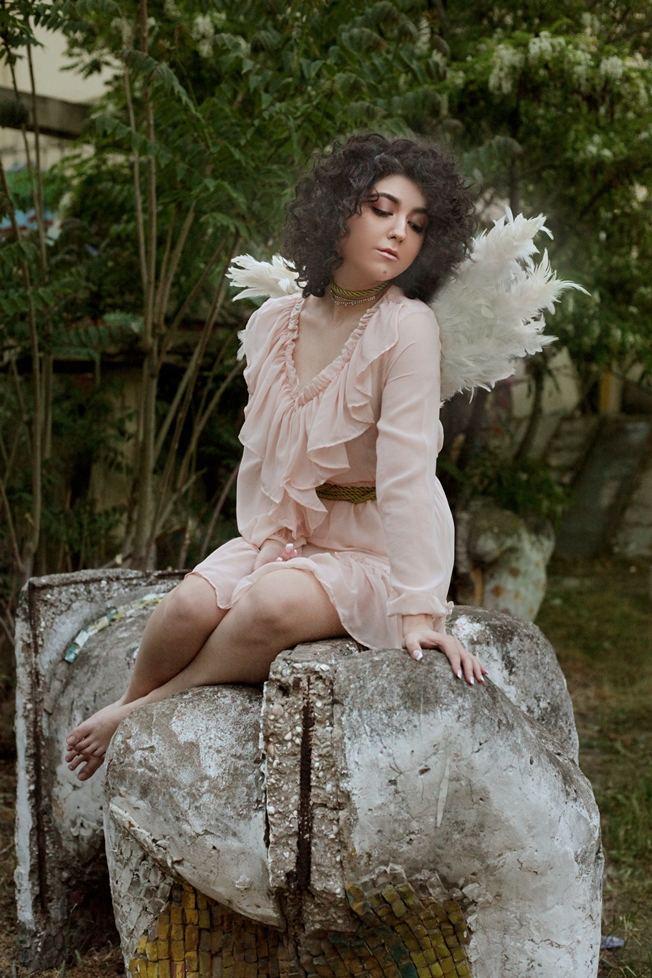 """Как выглядит трехлетняя Нани из первого азербайджанского сериала """"Bəyaz həyat"""", сейчас ей 21 год (ВИДЕО, ФОТО) - Gallery Image"""