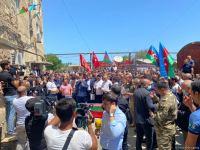 В Сумгайыте провожают в последний путь оператора AzTV Сираджа Абышова (ФОТО) - Gallery Thumbnail