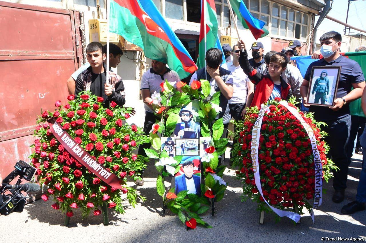 Şəhid jurnalist dəfn olunub (FOTO) - Gallery Image