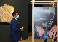 В Баку представлена оригинальная экспозиция устойчивой моды - будущее текстиля (ФОТО) - Gallery Thumbnail