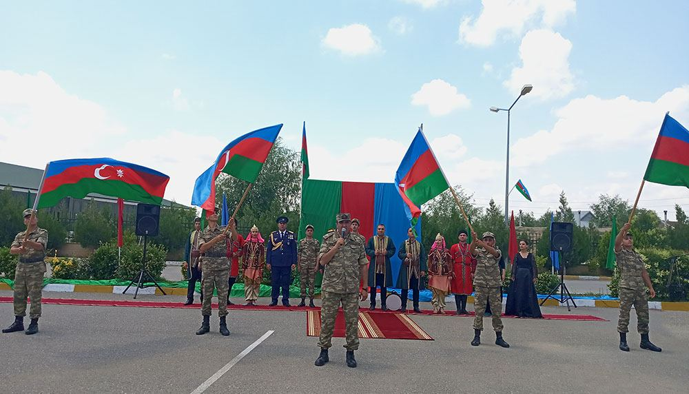 Raket və Artilleriya Qoşunlarının hərbi hissəsində tədbir keçirilib (FOTO) - Gallery Image