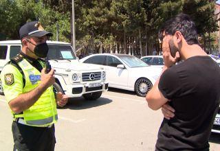 Sumqayıtda maskadan istifadə etməyən sürücü və sərnişinlər cərimələnib (FOTO/VİDEO)