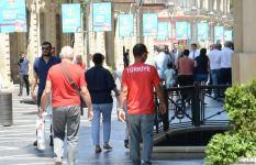 Bakıda azarkeşlər Türkiyənin oyununu gözləyir (FOTOSESSİYA) - Gallery Thumbnail