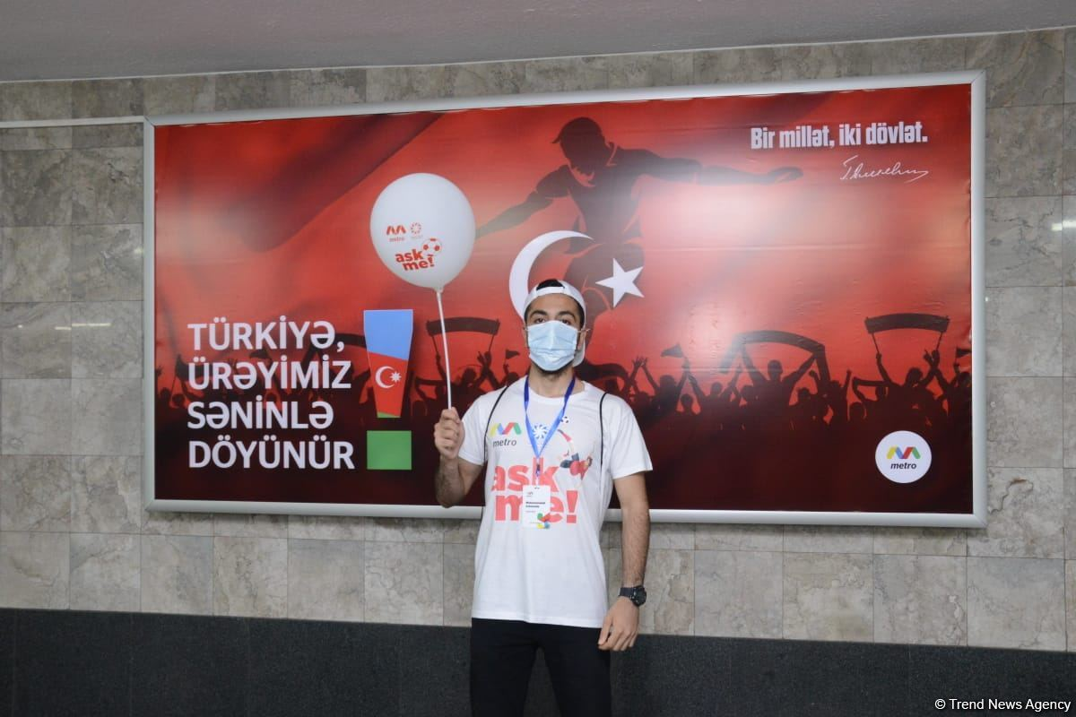 Fans preparing to watch Turkey vs Wales football match at Baku Olympic Stadium (PHOTO) - Gallery Image