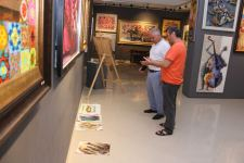 Cамая непослушная и капризная краска в руках азербайджанцев (ФОТО) - Gallery Thumbnail