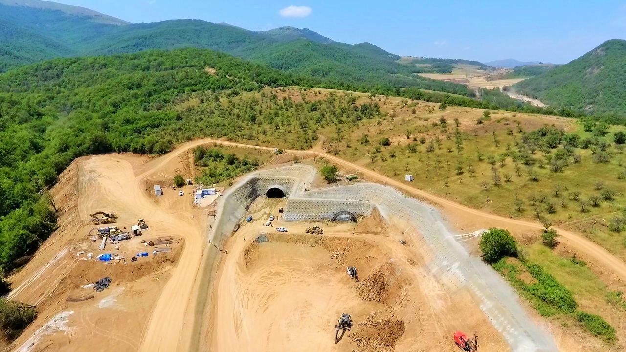 Yeni Əhmədbəyli-Füzuli-Şuşa avtomobil yolunda tunellərin inşasına başlanılıb (FOTO) - Gallery Image