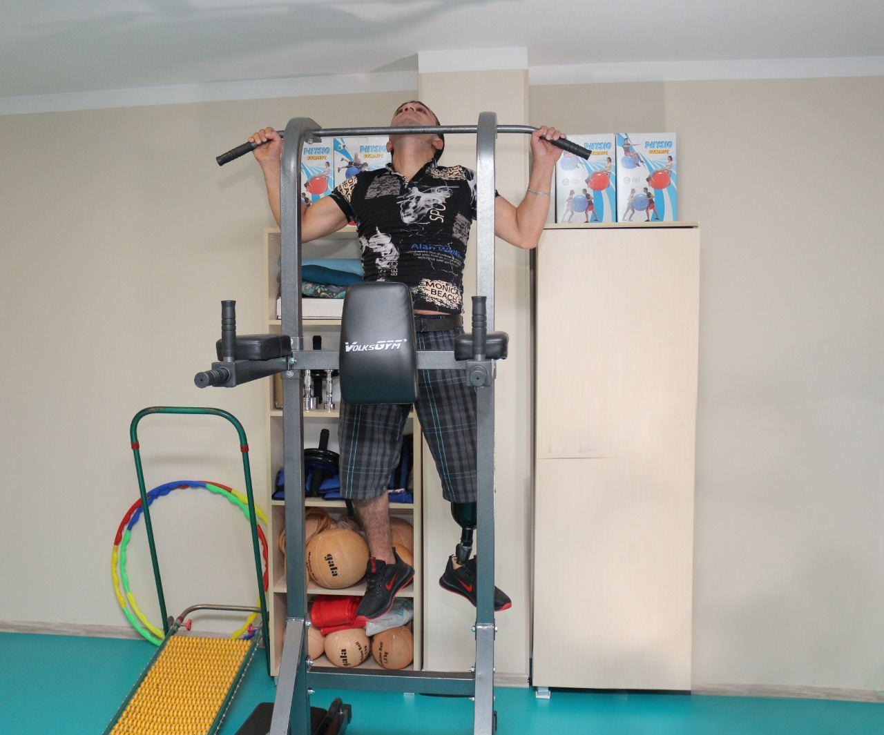 Daha bir qrup qazi yüksək texnologiyalı protezlərlə təmin olunub (FOTO) - Gallery Image