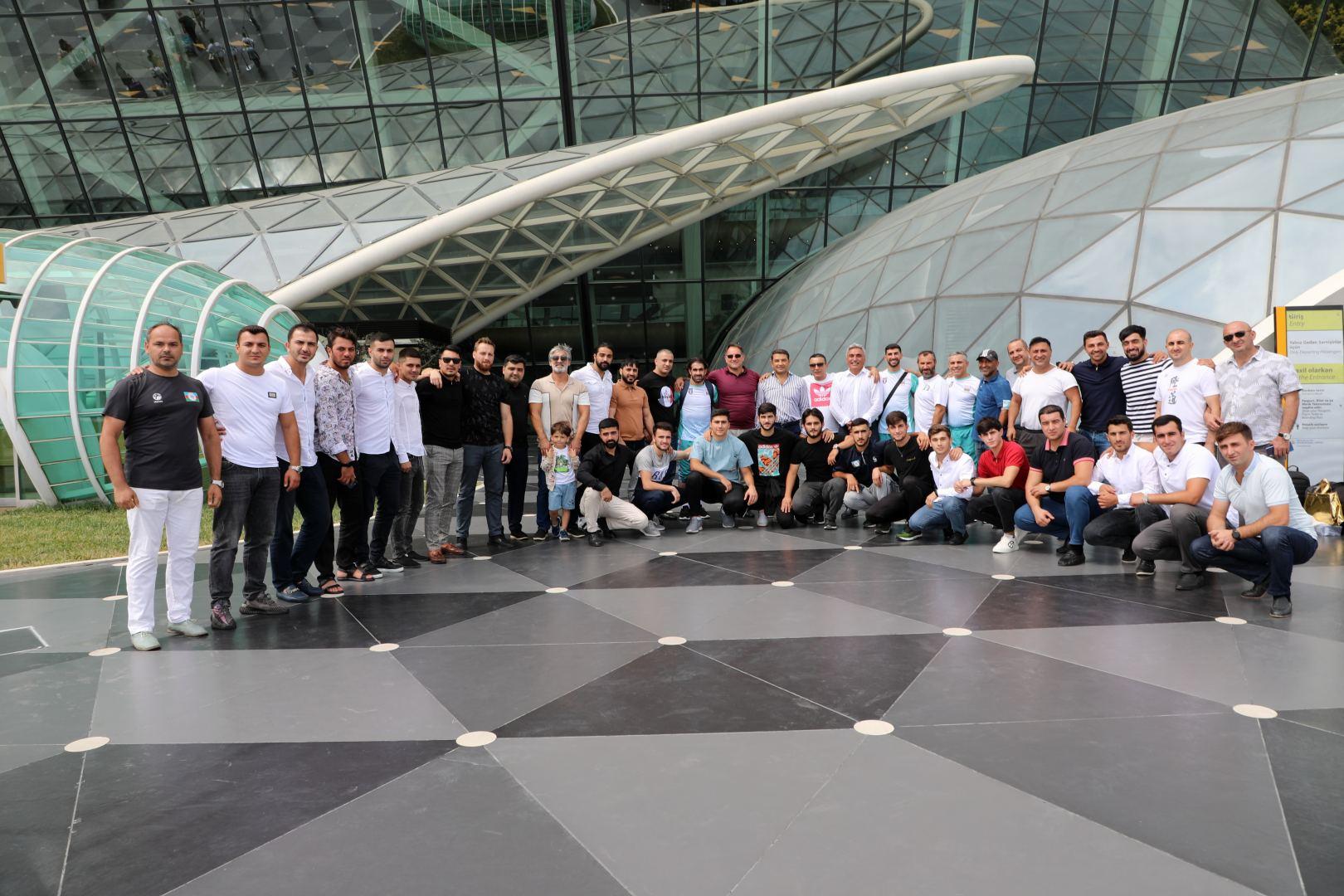 Azərbaycan karateçiləri Tokioya Yay Olimpiya Oyunlarına yollanıblar (FOTO)