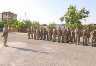 В войсках Нахчыванского гарнизона прошли сборы с командирами взводов и батарей (ФОТО/ВИДЕО)