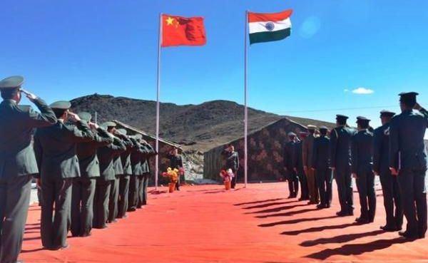 Офицеры Индии и КНР обсудили ситуацию на границе двух стран