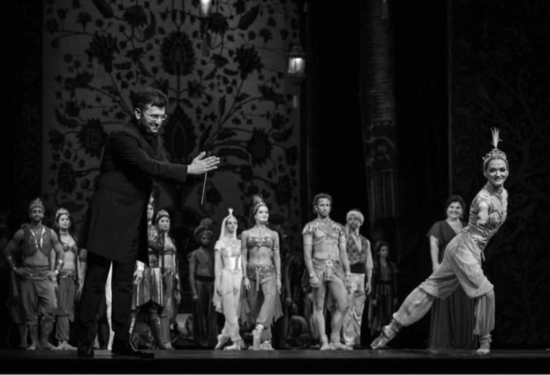 Азербайджанского дирижера в Санкт-Петербурге встретили овациями (ФОТО) - Gallery Image