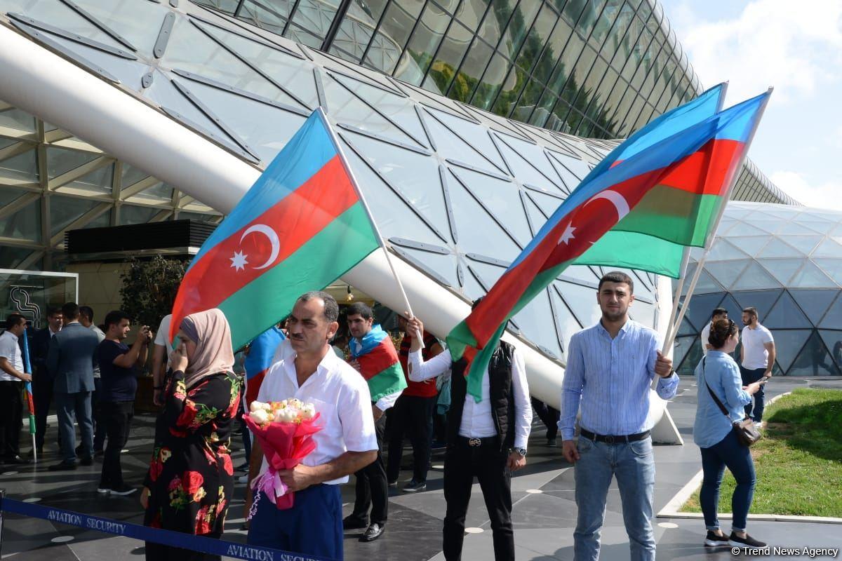 Paralimpiyaçılarımızın növbəti qrupu Vətənə qayıdıb (FOTO/VİDEO) - Gallery Image