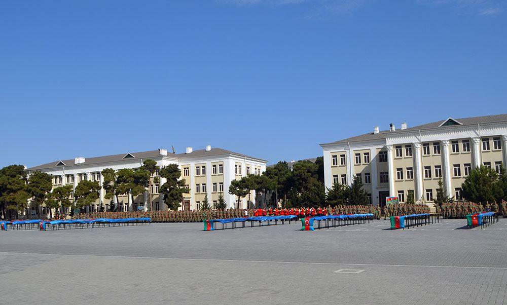 В Азербайджанском высшем военном училище имени Гейдара Алиева прошла церемония принятия военной присяги (ФОТО)