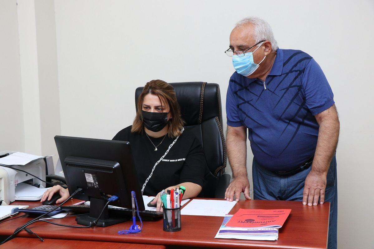 AzMİU-ya qəbul olan abituriyentlərin qeydiyyat prosesi onlayn qaydada davam edir (FOTO)