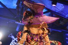 Одним вечером в Баку - противогаз, бабушка из Нидерландов и кафкианские сцены (ВИДЕО,ФОТО) - Gallery Thumbnail