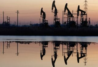 Oil extends rally into 6th day on tight supply, Brent hitting 3-yr high