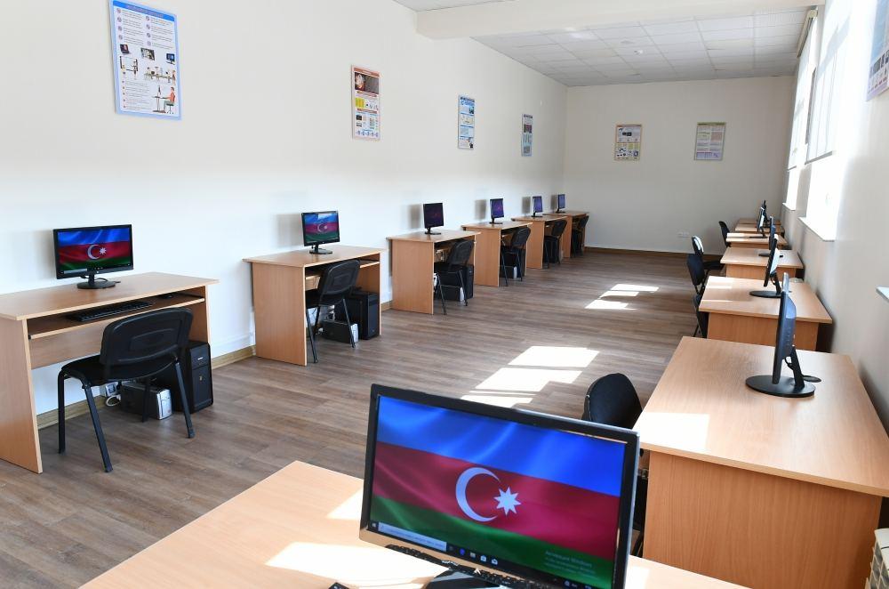 Первый вице-президент Мехрибан Алиева ознакомилась с условиями, созданными в новой школе номер 88 в бакинском поселке Бина (ФОТО/ВИДЕО) - Gallery Image