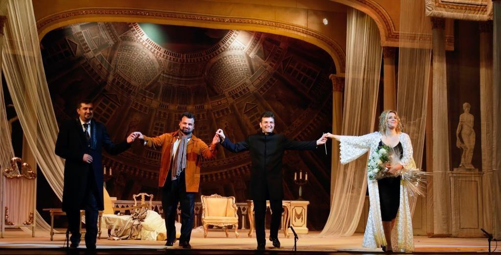 Любовь азербайджанца и полячки, или Дама с камелиями (ФОТО/ВИДЕО) - Gallery Image