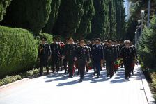 Azerbaijani Defense Ministry visits Alley of Honor and Alley of Martyrs in Baku (PHOTO) - Gallery Thumbnail