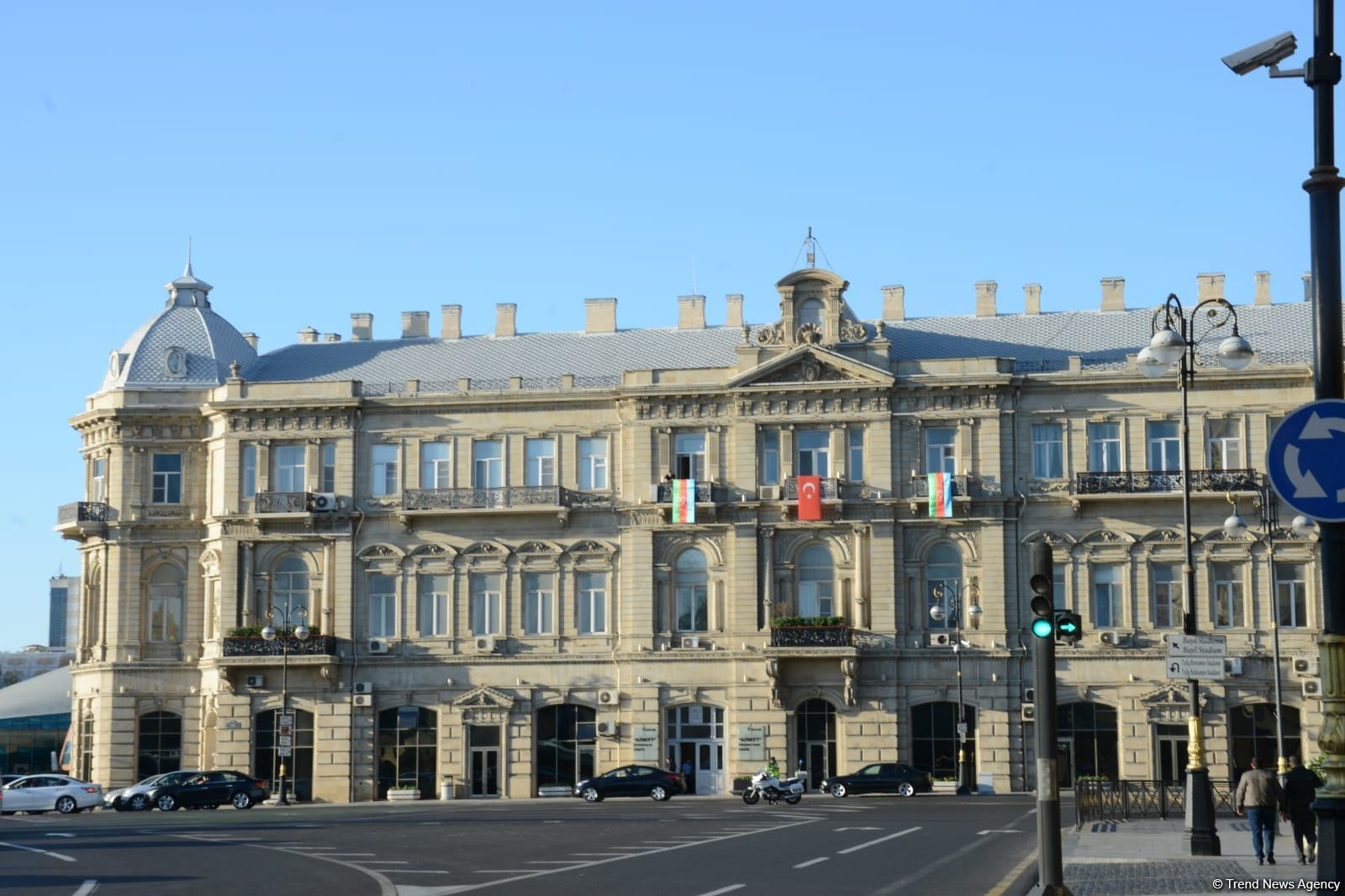 Üçrəngli bayrağımızla bəzənən Bakıda möhtəşəm görüntülər (FOTO) - Gallery Image